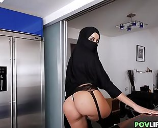 Sexy hijab girl with curves drilled