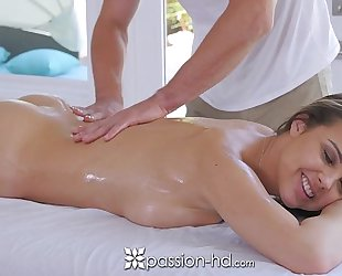 Passion-hd - dillion harper hot soaked massage with facial