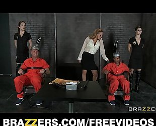 Two death row inmates receive one final 3some with krissy lynn