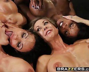 Brazzers.com - large mambos in sports - (brandi love) - miss titness america