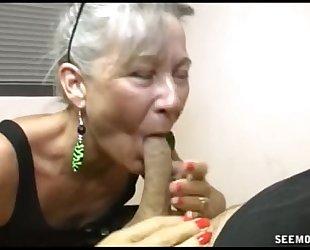 Slutty granny orall-service