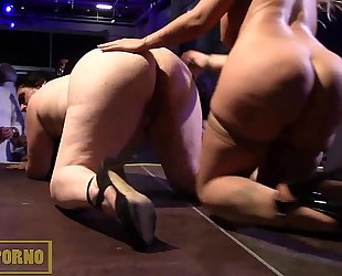 Blonde bigtits and fatty brunette hair lesbo fuck