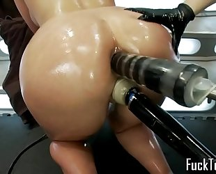 Pussy licking lesbian babes fist and toy cum-hole
