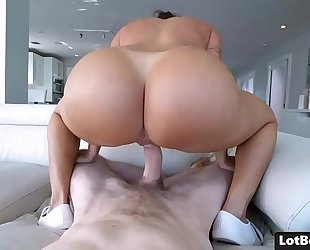 Bubble culo and massive breasts hawt latin babe milf julianna vega