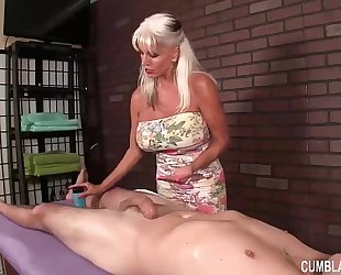 Huge-titted granny cook jerking