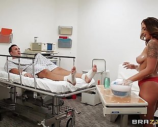 Brazzers.com - layla london gives a sponge bathroom