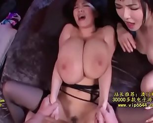 Hitomi tanaka y anri okita - three-some bien piola