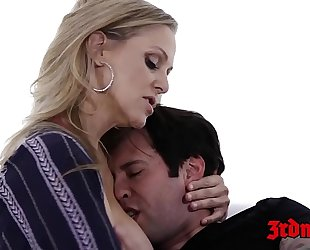 Cougar julia ann toe sucked whilst dicked in the muff