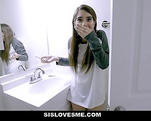 Sislovesme - hawt stepsis copulates and unintentionally bites stepbros dick