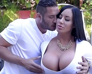 Porn outdoor with marvelous curvy black cock slut and her juvenile neighbour