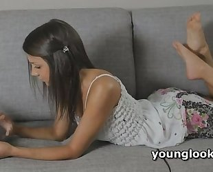 Teen splendid courtesan screwed and cheerful like a real gf