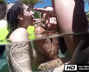 Noelle easton and kissa sins are all soaked for johnny sins