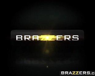 Brazzers.com - large asses like it large - (kiki minaj) - hankering for a thrashing