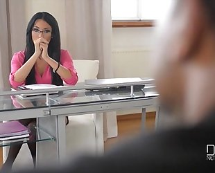 French bitch goddess anissa kates takes a huge dark dong in her constricted a-hole
