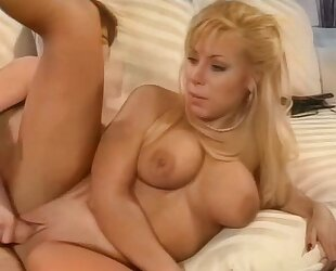Tanned mature gets her cock craving fuck holes drilled